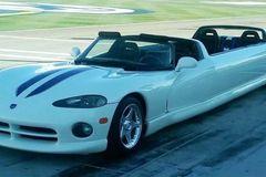 Chiếc Dodge Viper Limo V10 duy nhất trên thế giới được rao bán trên eBay