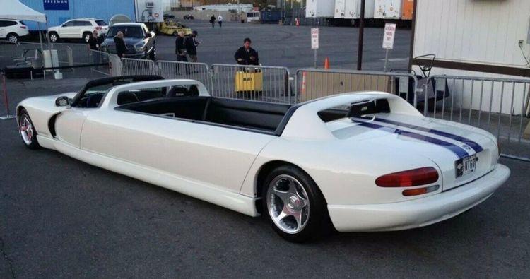 Định giá quá cao, Dodge Viper limo mui trần dù độc lạ nhưng vẫn ế ẩm