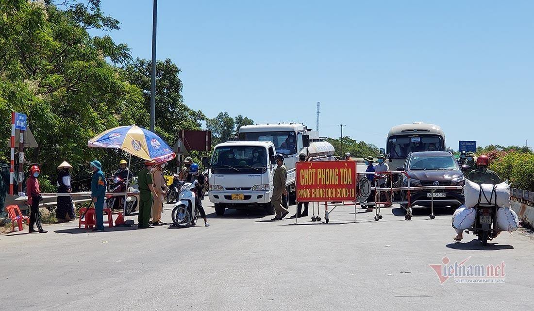 Tăng cường kiểm soát người lưu thông ngày đầu cách ly thành phố Vinh
