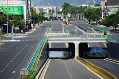 Hình ảnh đường phố Đà Nẵng vắng lặng ngày thứ 2 'ai ở đâu ở yên đó'