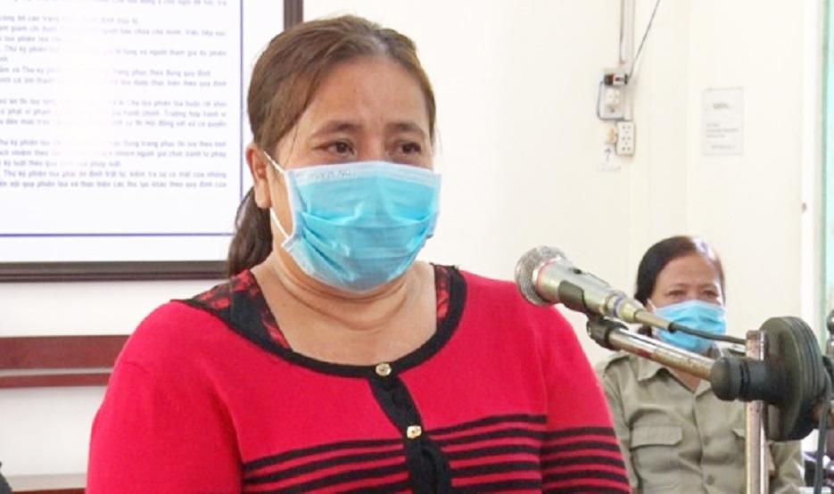 Người phụ nữ lĩnh 7 tháng tù do đánh công an khi thấy chồng bị lập biên bản