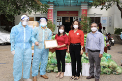 Công ty Dịch vụ Khí tặng quà 250 gia đình khó khăn ở Vũng Tàu