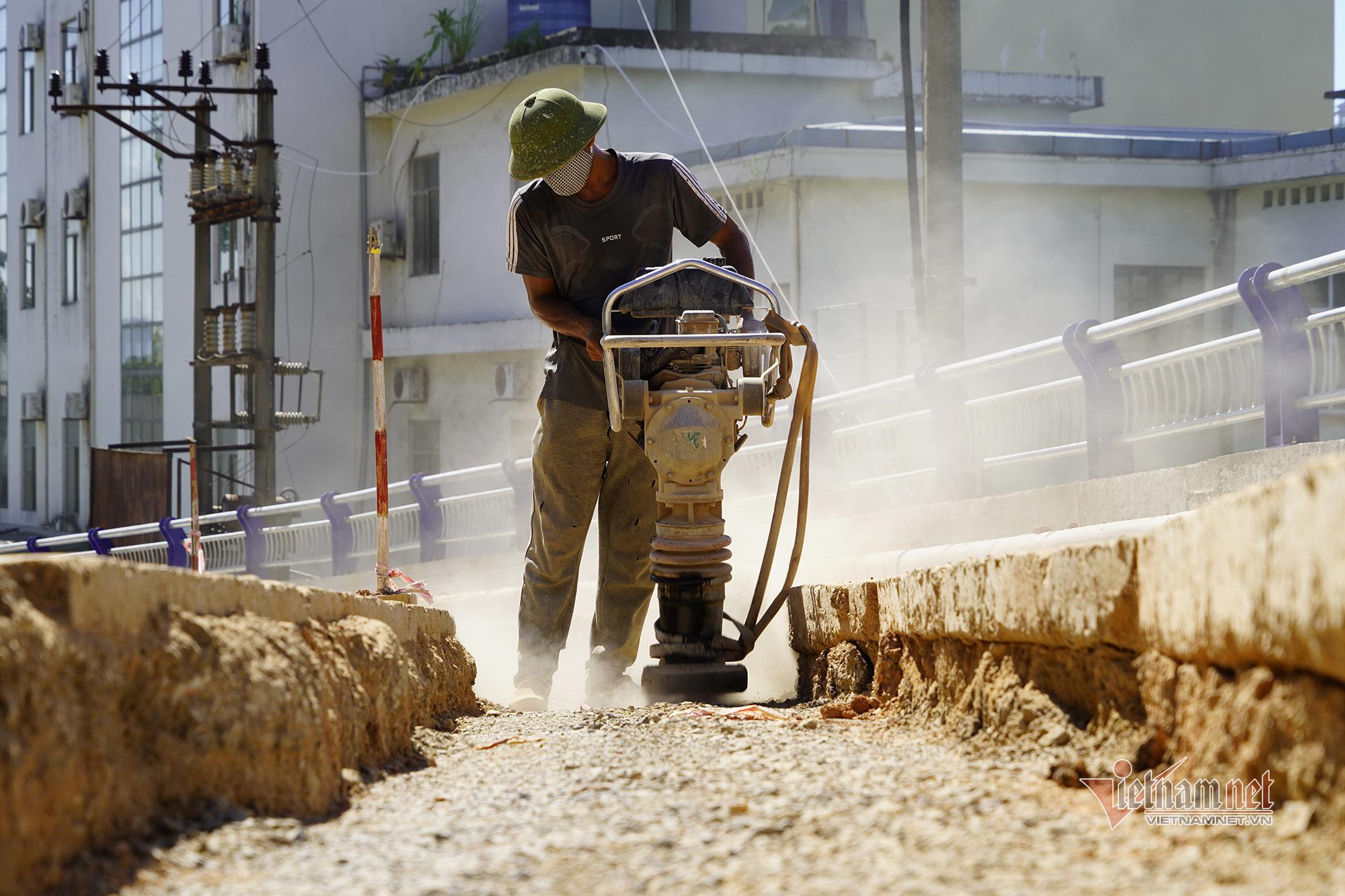 Quảng Ninh hỗ trợ 32 tỷ đồng cho người lao động gặp khó khăn vì dịch
