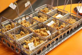Học làm gà rán chuẩn Hàn ở Ttang Ttang Land