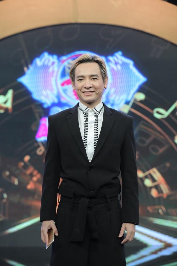 Việt Quang vui vẻ, chơi hết mình trong gameshow trước khi mất