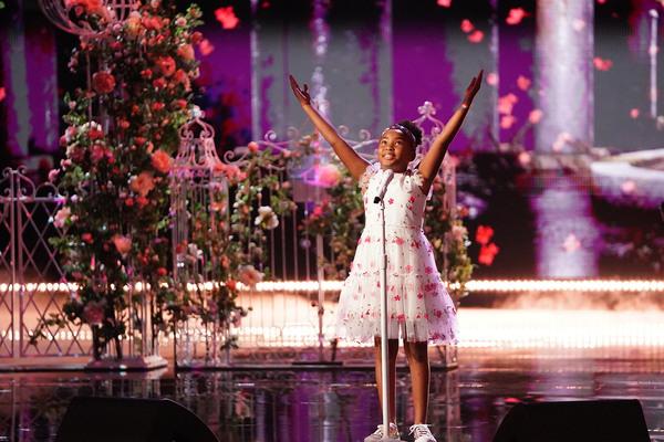 Ca sĩ 9 tuổi khiến Simon Cowell ngả mũ, dự đoán thắng các cuộc thi