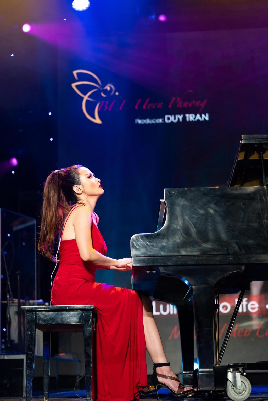 Nghệ sĩ dương cầm ra 2 MV độc tấu, lấy lợi nhuận góp quỹ vaccine