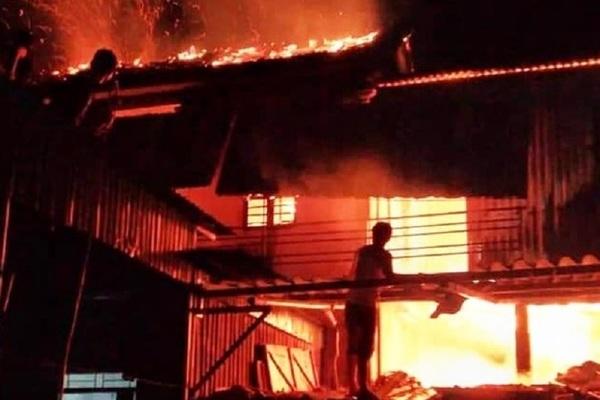 Cháy nhà ở Bình Dương, 3 người chết
