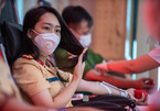 Công an Hà Nội hiến máu nhân đạo, tặng gạo cho người dân khó khăn
