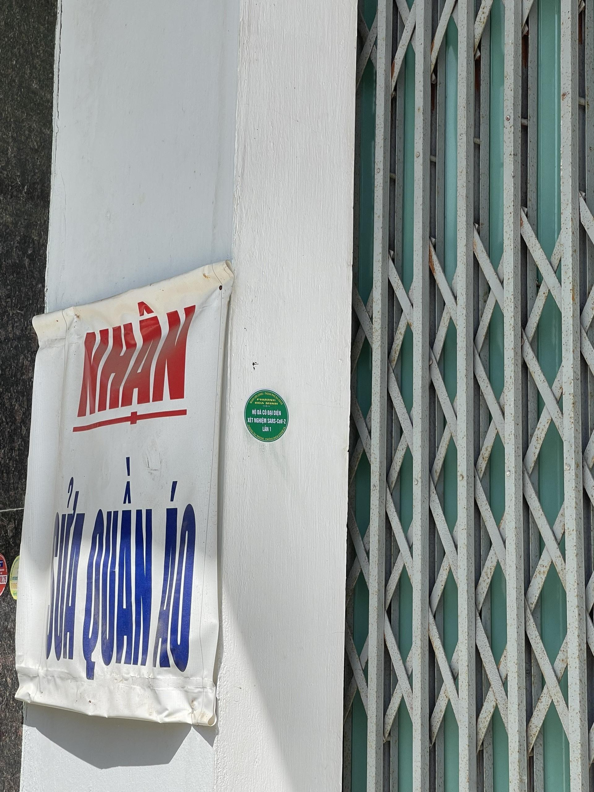 Đà Nẵng 'dán tem xanh' hàng loạt gia đình đã xét nghiệm
