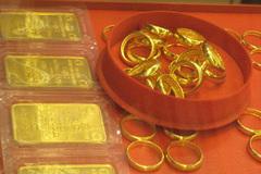 Lương 12 triệu bỏ 5 triệu mua vàng,  4 năm chắt bóp giờ sống ổn qua đại dịch