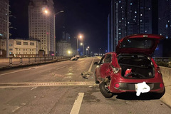 Ô tô hết xăng đỗ trên đường vành đai 3, tài xế bị tông tử vong