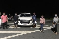 Xe 7 chỗ chở người từ TP.HCM về miền Tây, bị phát hiện ngay khi rẽ vào tỉnh lộ