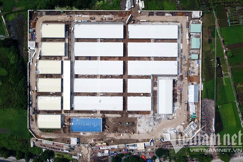 Thần tốc xây bệnh viện dã chiến ở Hà Nội, đã xong 80%