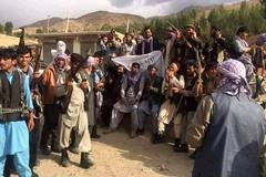 Phe chống Taliban tái chiếm một tỉnh, các cường quốc chật vật sơ tán người khỏi Kabul