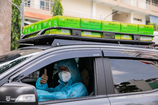 Những chuyến xe 'chở yêu thương' tiếp sức y bác sĩ tuyến đầu chống dịch