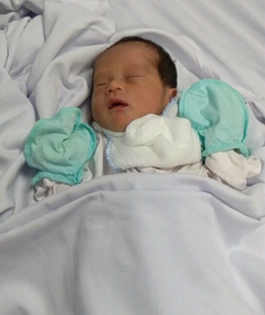 Chị Hoàng Thị Vị mắc bệnh rối loạn đông máu đã sinh bé gái nặng 2,1kg