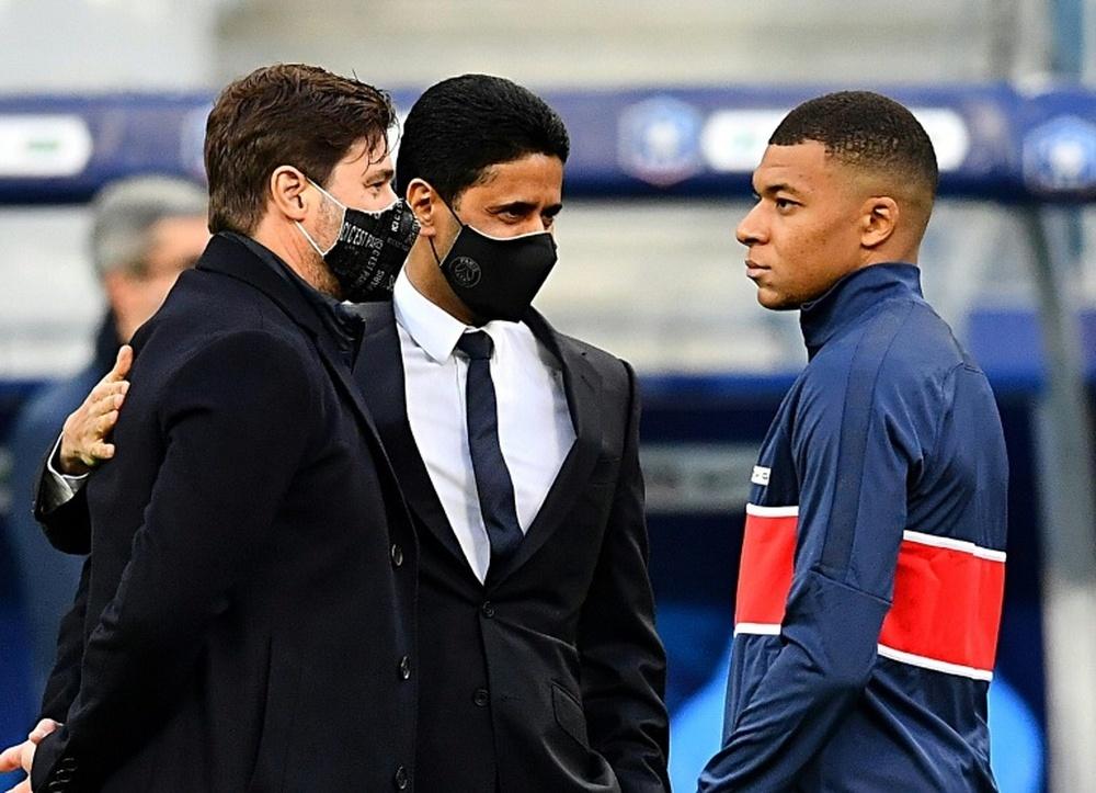 Ronaldo chiếm chỗ Cavani ở MU, Mbappe chờ giờ G