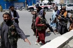 Taliban dùng bạo lực ở sân bay Kabul, Mỹ cam kết sơ tán người mắc kẹt
