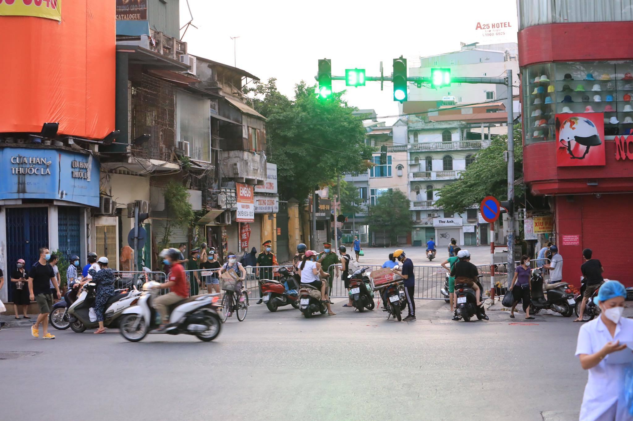 Hà Nội cách ly hai phường Văn Miếu và Văn Chương