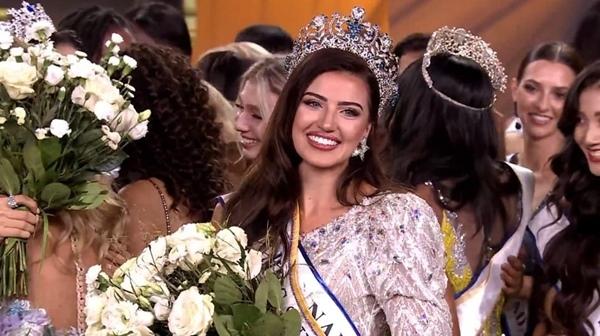 Vẻ gợi cảm khó rời mắt của tân Hoa hậu Siêu quốc gia 2021