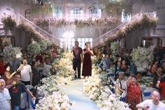 Cô dâu, chú rể Trung Quốc đi chống dịch, cha mẹ thay mặt làm đám cưới