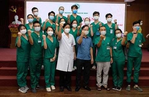 Gần 3.000y bác sĩ tiếp tụcchi viện TP.HCM và các tỉnh phía Nam