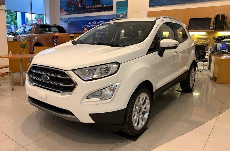 Thêm 4 mẫu ô tô giảm giá cao nhất đến 300 triệu đồng
