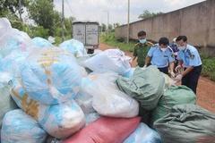 Phát hiện hơn một tấn khẩu trang tái chế