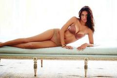 Cựu mẫu nội y Adriana Lima 40 tuổi vẫn sexy nghẹt thở