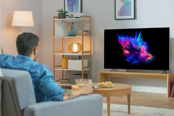 Một chiếc TV LCD thông thường khó mà bắt mắt, đã tai như LG QNED MiniLED
