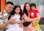 Tổ ấm viên mãn của NSND Tự Long và vợ kém 12 tuổi
