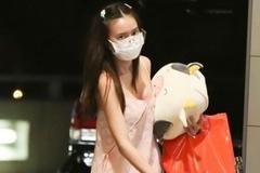 Lan Ngọc mặc đồ ngủ ra sân bay có gì sai?