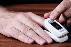 Cảnh báo về máy thở, máy đo SpO2 hỗ trợ điều trị Covid-19 tại nhà