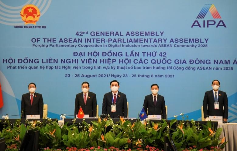 """""""Phát triển quan hệ hợp tác nghị viện trong lĩnh vực kỹ thuật số bao trùm hướng tới Cộng đồng ASEAN năm 2025"""""""