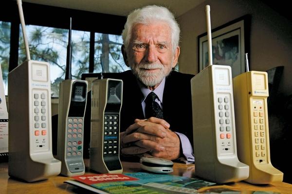Chân dung cha đẻ của điện thoại di động
