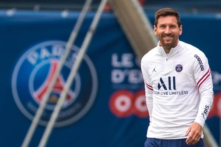 'Messi sẽ vô địch Champions League với PSG và giải nghệ tại Barca'