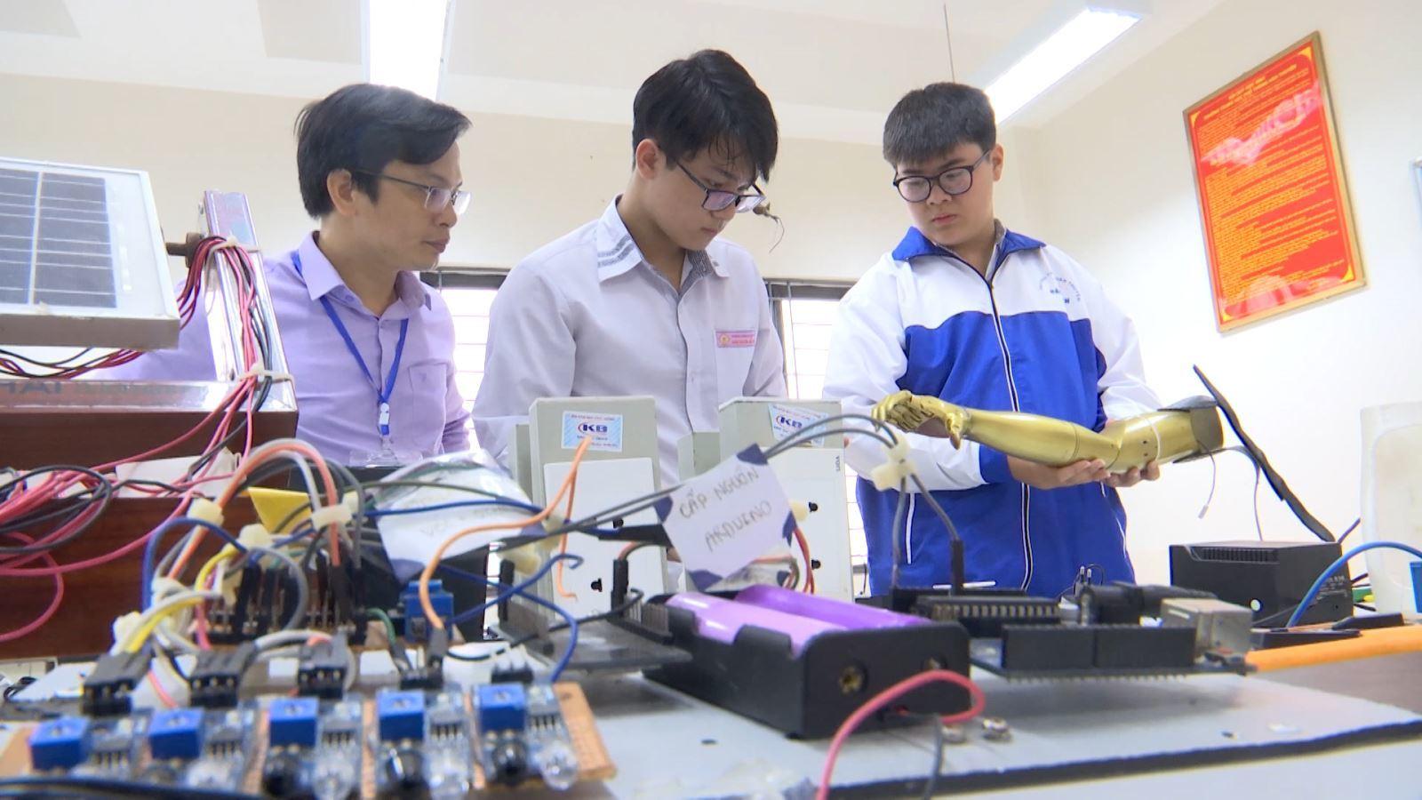 Học sinh Việt Nam đoạt giải Ba Hội thi Khoa học Kỹ thuật quốc tế REGENERON ISEF 2021