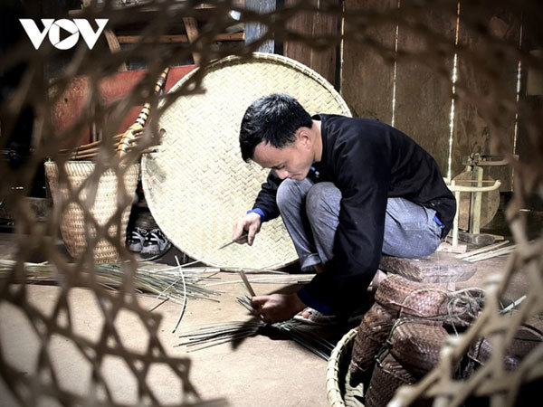 Preservation of the Mong's rattan weaving craft