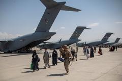 Taliban đóng cửa sân bay Kabul nếu Mỹ trì hoãn rút quân