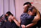 Hạnh phúc vỡ òa sau 24 năm đi khắp đất nước tìm con trai mất tích