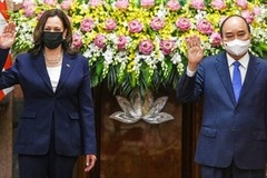 US Vice President reaffirms US commitment to support Vietnam in combating COVID-19