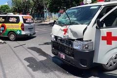 Hai xe cứu thương va chạm, cụ ông tử vong ở Đà Nẵng