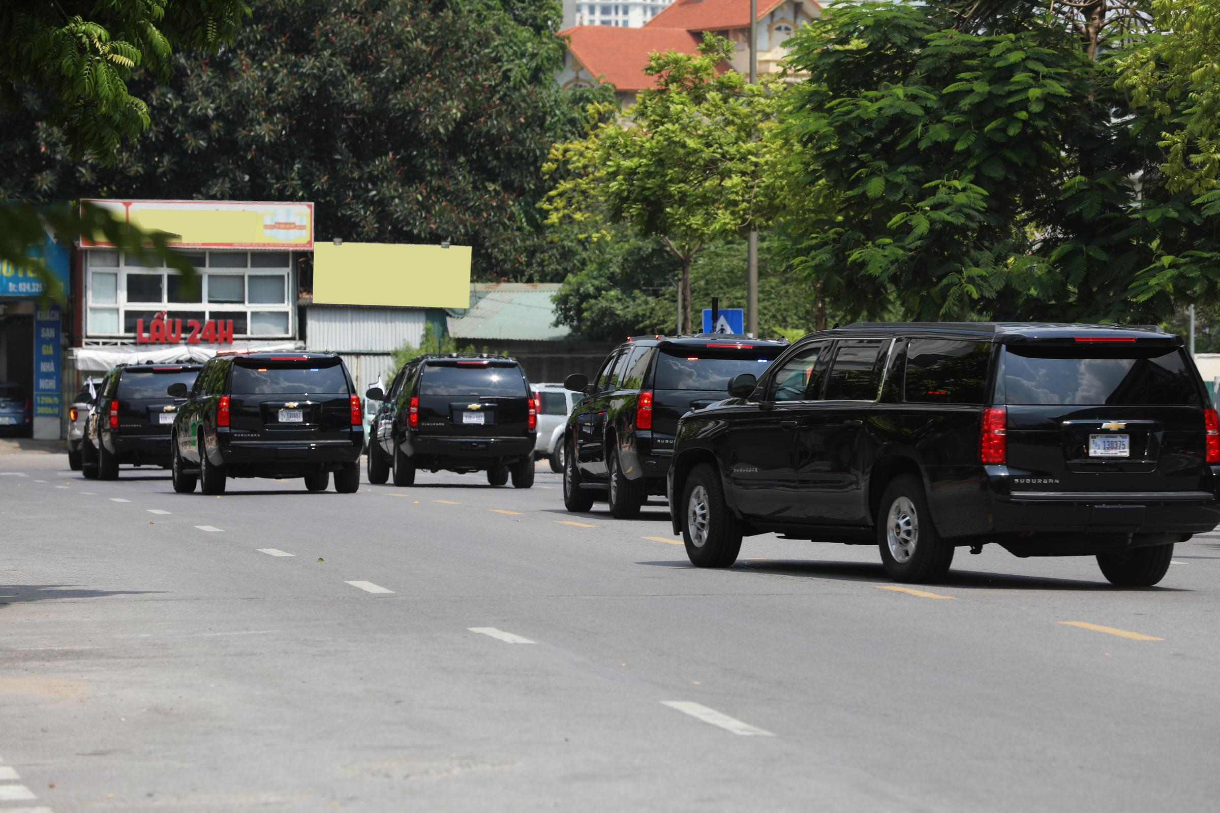 """Khám phá """"pháo đài"""" Chevrolet Suburban hộ tống Phó Tổng thống Mỹ"""