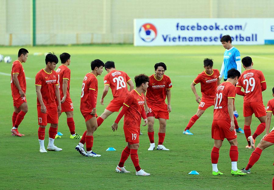 Tuyển Việt Nam: HLV Park Hang Seo hồi hộp với các 'thương binh'