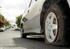 Làm gì khi ô tô bị xịt lốp trong mùa dịch?