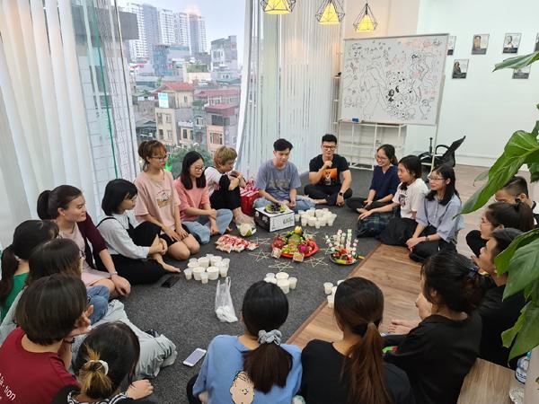 Doanh nhân trẻ startup thành công với thương mại điện tử giữa mùa dịch