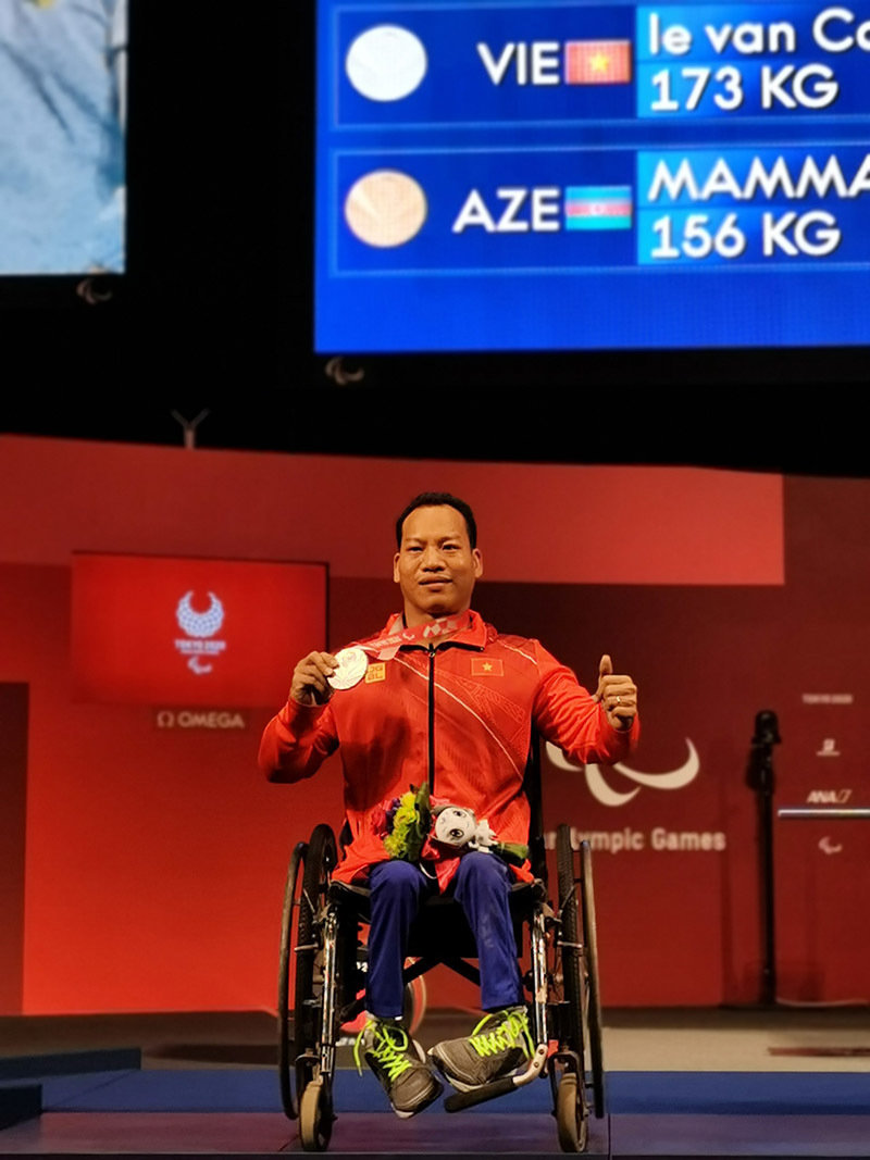 Đô cử Lê Văn Công giành HCB Paralympic