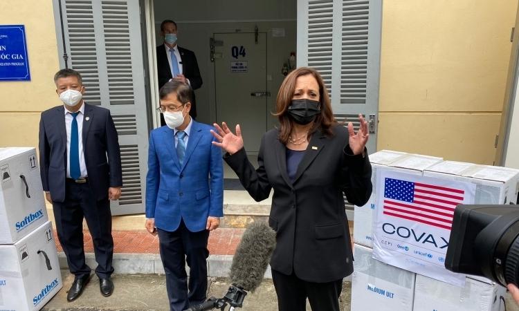 Phó Tổng thống Mỹ chứng kiến lễ trao vắc xin cho Việt Nam
