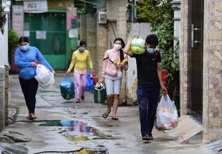 TP.HCM di dời hàng nghìn người từ nhà trọ đến chung cư tránh dịch